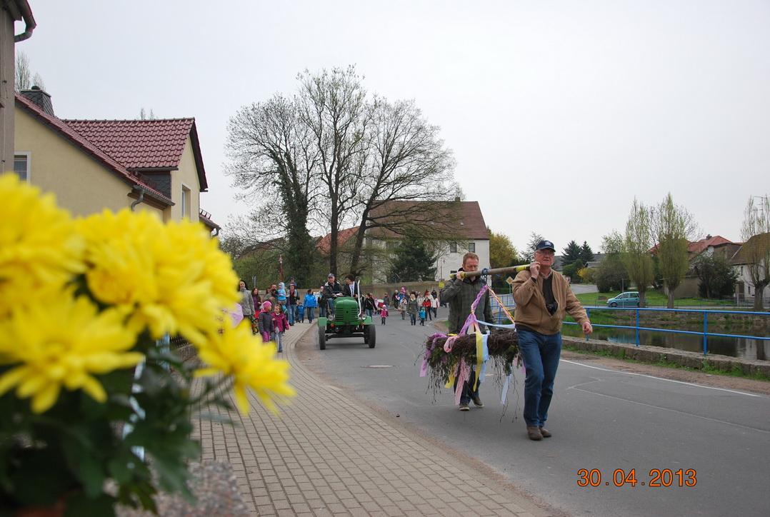 maibaumstellen-2013-2