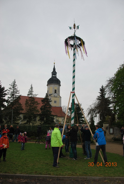 maibaumstellen-2013-4