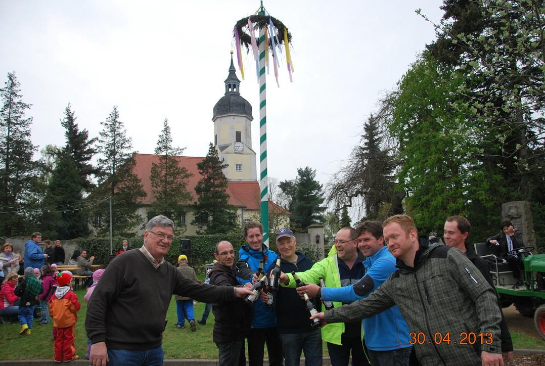 maibaumstellen-2013-5