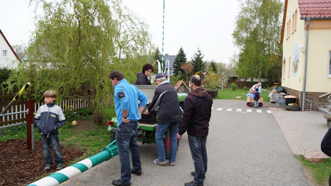 maibaumstellen-2013-8